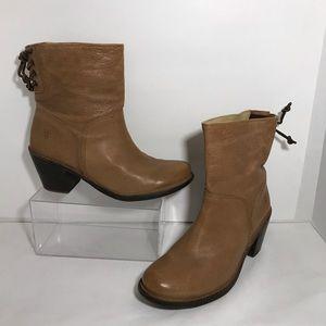 Frye Carmen Leather Lace Back Tan Boots Tan SZ 9